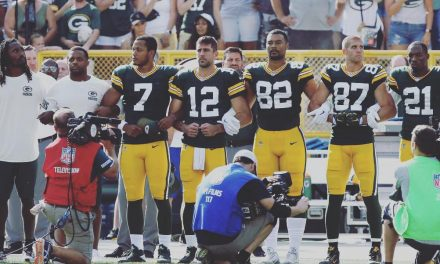 Aaron Rodgers uses Instagram post to discuss hypocrisy of kneeling