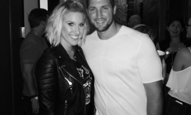 Tim Tebow seen hanging out with Luke Kennard's ex-GF Savannah Chrisley at concert (PHOTOS)
