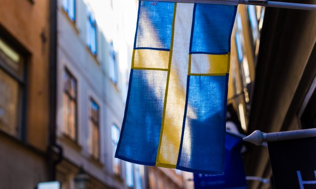 The Interlinking of Swedish Sports, Casinos, and Social Media
