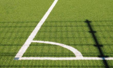 6 Benefits of Choosing Artificial Turf Grass Over Natural Vegetation