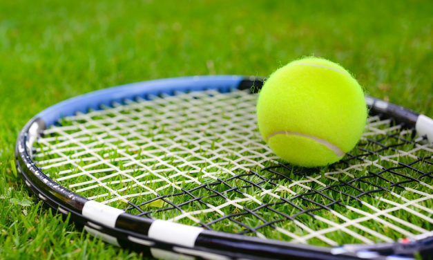 How To Choose The Right Artificial Grass Sneakers For Tennis
